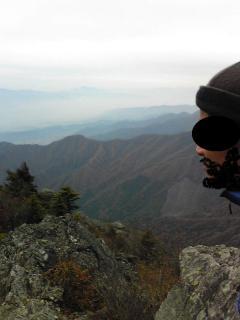 乾徳山から紅葉1 顔ひげ