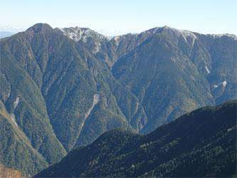 鳳凰三山も雪化粧