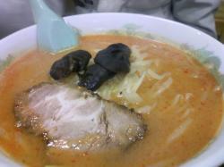 みその麺は中太麺