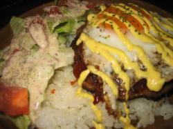 バーガー屋の炭火ロコモコ(ハーフ)680円