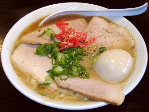きんしゃい亭県央店・H22・3 チャーシューメン煮玉子