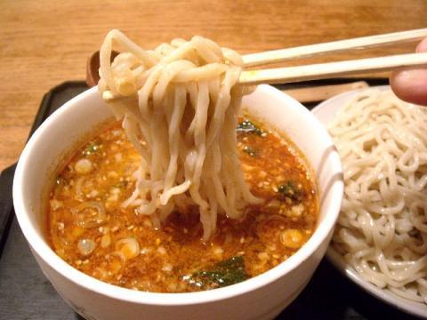 どっぽ本町店・H22・11 坦々つけめん激辛 麺2