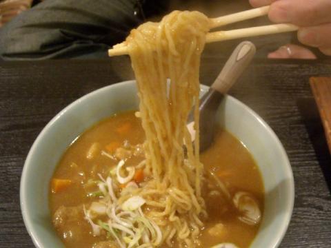 海茶屋・カレーらーめん 麺