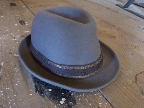 1109 hat4