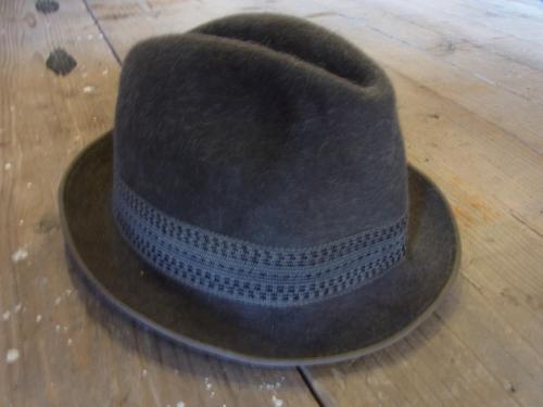 1109 hat7