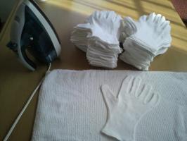 完成見学会 手袋アイロンがけ