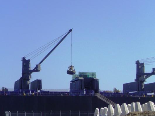 巨大タンカー(2)
