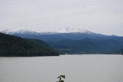 忠別湖と旭岳