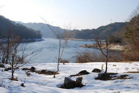 雪の三河湖