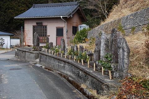 道端の石仏