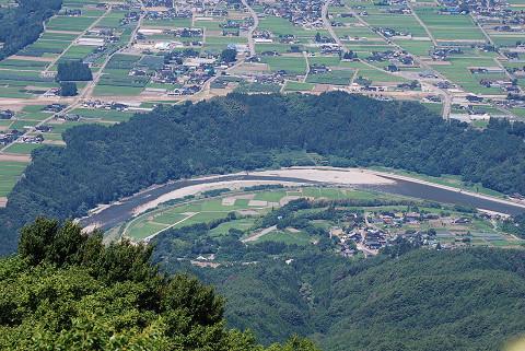 天竜川の蛇行と段丘崖