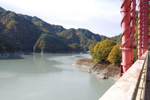 松川のダム湖