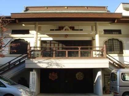 大安寺、二階入り口の鳥居