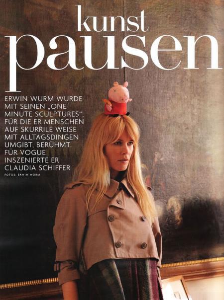 Kunst Pausen by Erwin Wurm_1