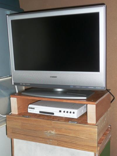 寝室TV台1