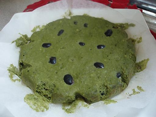 黒豆入り抹茶のおからケーキ