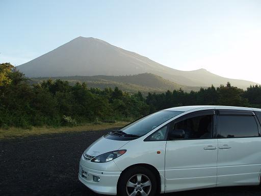 富士山と車UP