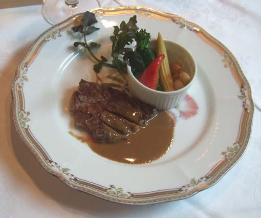 20091206 吉田さん結婚式 ガーデンレストラン八つ山 026 和牛ステーキ 18cm
