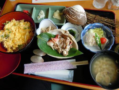 「別海ジャンボホッキステーキ丼」