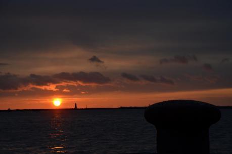 中央埠頭の夕陽