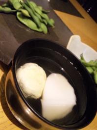 枝豆しんじょうと胡麻豆腐のお吸い物