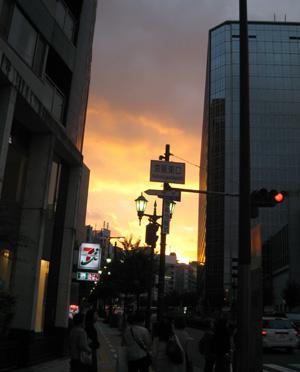 京阪東口blog01