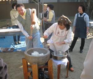 2010.12.5餅つきblog04