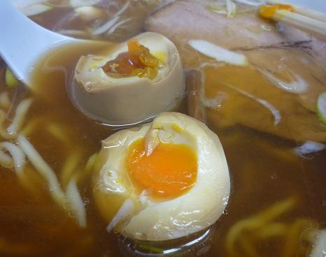 『麺 えどや』 玉子ラーメン(味付玉子)