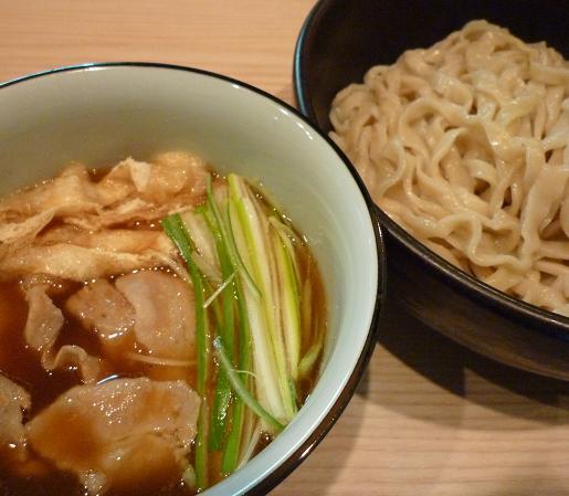 『小麦と肉 桃の木』 つけ麺 昆布醤油味(アップ)