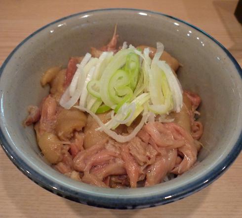 『小麦と肉 桃の木』 豚テール丼(250円)