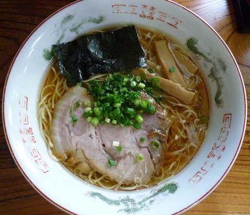 『伊達屋』 中華そば(正油ラーメン・680円)