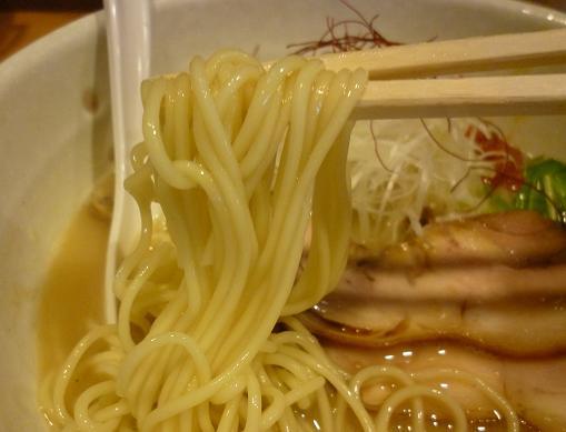 『もぐや』 鶏と魚介の白湯塩らーめん(麺リフト、冬季1日限定約10食)