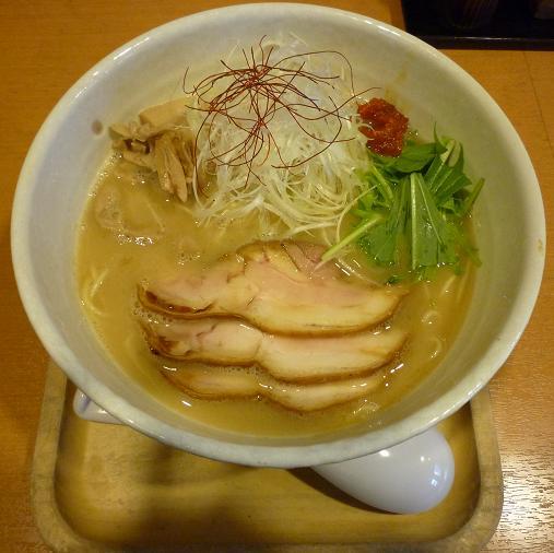 『もぐや』 鶏と魚介の白湯塩らーめん(790円、冬季1日限定約10食)