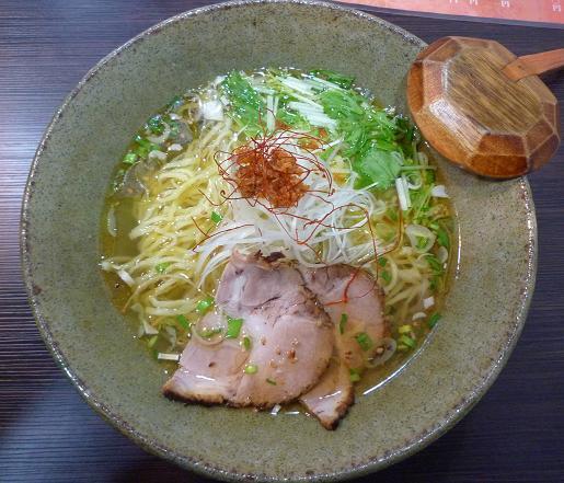 『天雷軒 東日本橋店』 海老薫琥珀拉麺(750円)