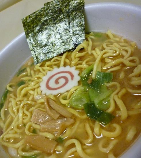 カップ麺『太麺堂々』(日清) アップ