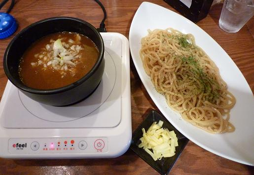 『麺屋 天翔』 スパイシーカリーつけ麺(麺少な目でチーズサービス・750円)