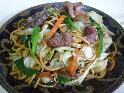 【家飯】 『鳥新』のMixモツ炒め+『七彩』乾麺の「勝手にコラボ焼きそば」