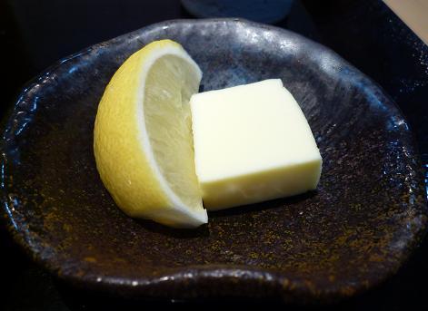 『つけ麺 道』 期間限定こってり塩らーめんの薬味(バターとレモン)