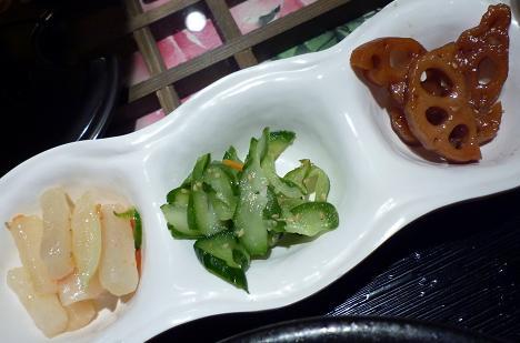 『ハヌリ 新宿店』 ランチ定食のおかず三品