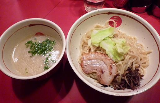 『麺屋武蔵 二天』 濃厚豚骨つけ麺(並・800円)