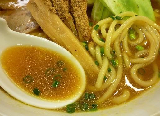 『秋葉らーめん 松風』 松風らーめん(麺とスープ)