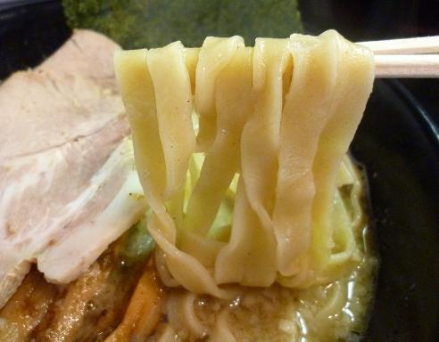 『立教通りのにぼきゅう』 煮干しそば(麺リフト」)