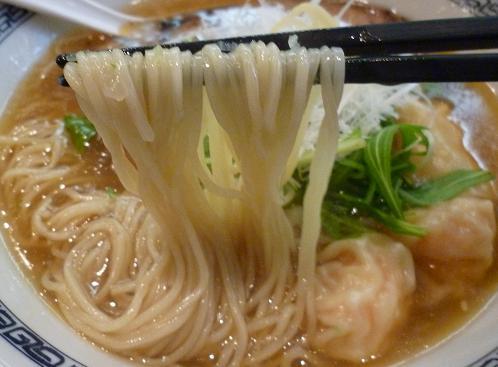 『中華そば てんくう』 海老塩ワンタン麺(麺リフト)