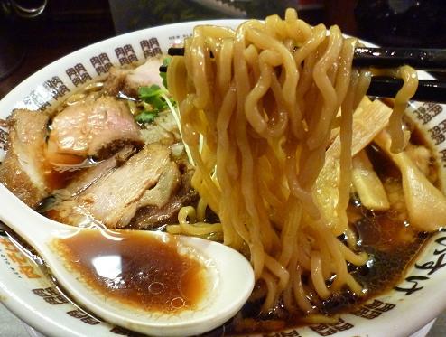 『NEW OLD STYLE 肉そば けいすけ』 肉そば(並)麺リフト