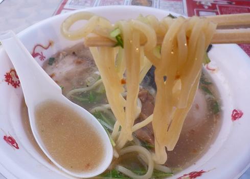 『ラハメン ヤマン』@お台場ラーメンPARK 「塩らはめん」麺リフト