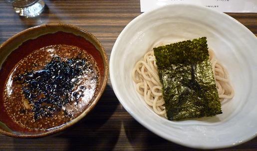 『縄麺 男山』 渦潮つけ麺【辛】(レセプション特別・麺ハーフ)