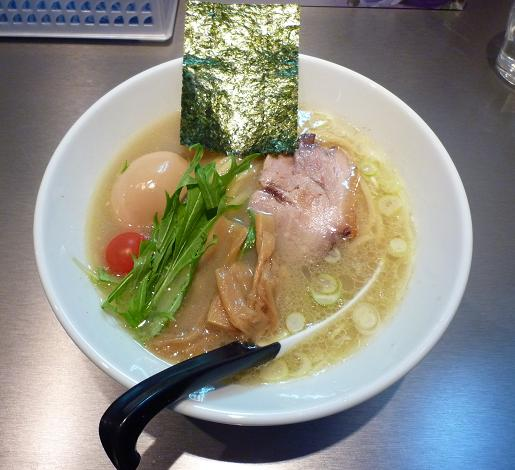 『麺やまらぁ』 しおらぁ(750円・ランチサービスで味玉付き)