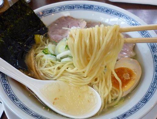 『洋食とんかつ フリッツ』 支那そば(塩味)麺リフト