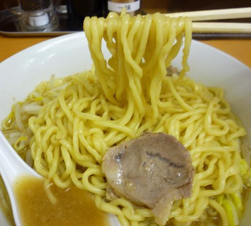 『ラーメン〇菅』 塩ラーメン(麺リフト)
