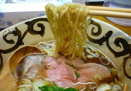 『ラーメン こぶ志』 塩・出汁系 もみもみ金メる(2010年2月限定)麺アップ